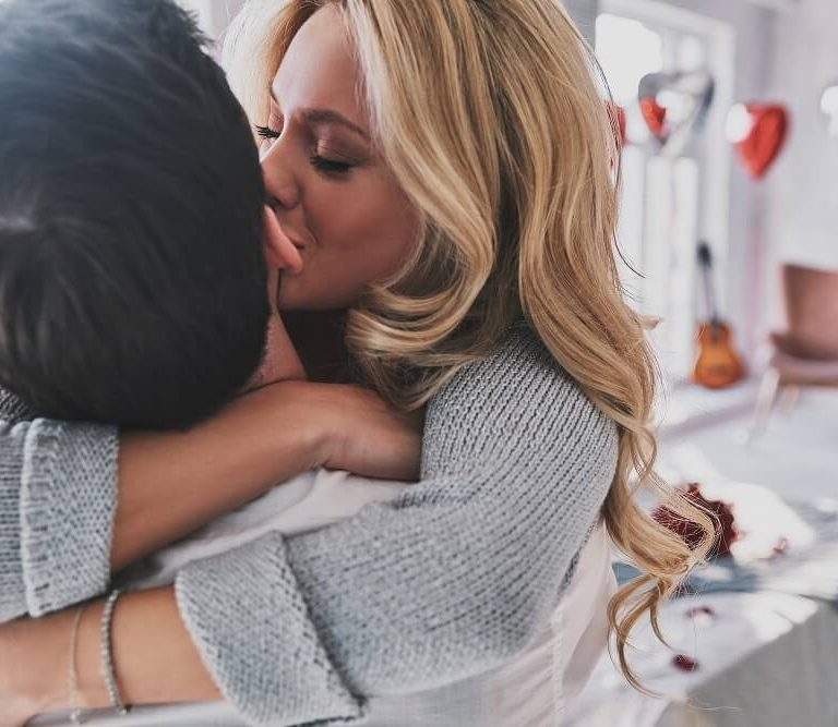 woman kissing her man