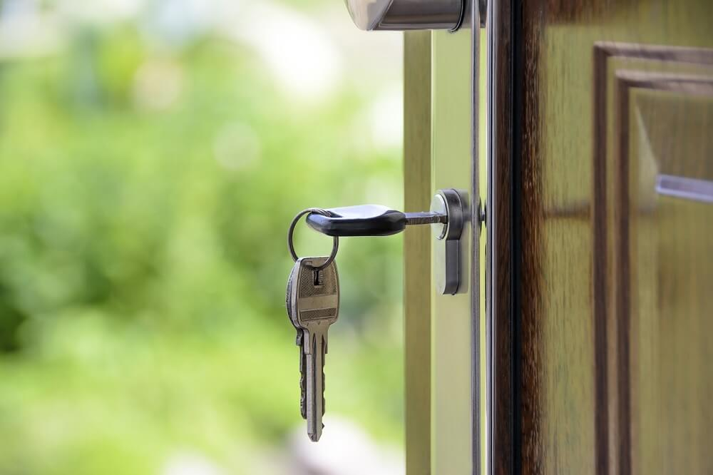 keys hanging in door lock