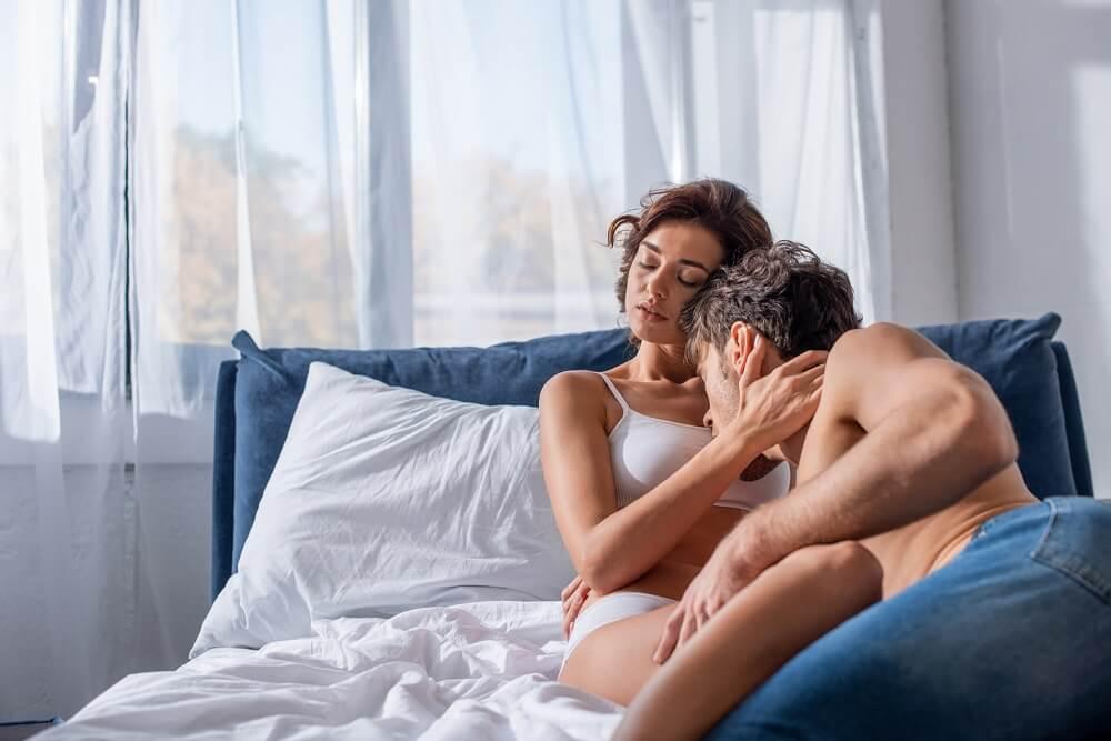 man kissing woman - sex tips for men