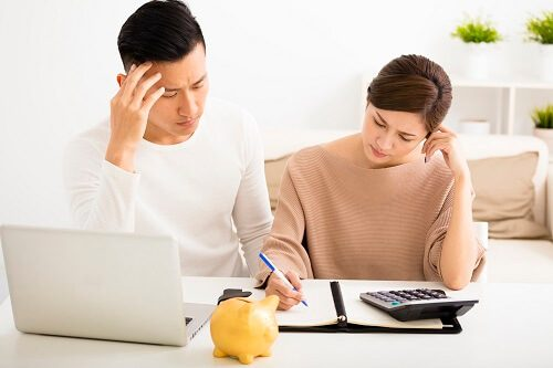 couple struggling over bills